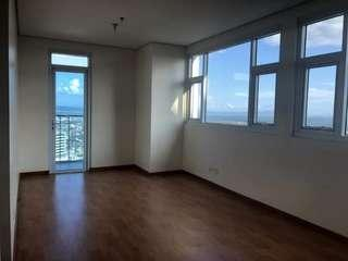 Lower Penthouse 3 Bedrooms at BGC