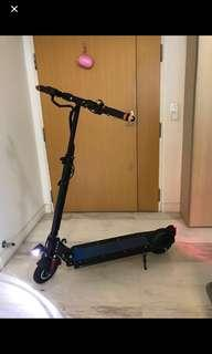 Electronic scooter/ escooter with cruise control - almost new
