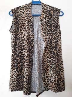 Sleeveless Cheetah top