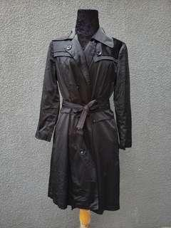 black lightweight trenchcoat