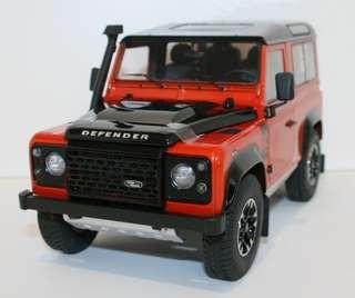 Kyosho Land Rover Defender 90 Adventure 1:18