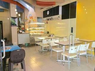 Fully equip cafe for rent