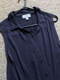 Sleeveless navy blue top