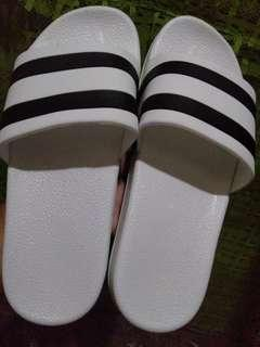 slippers black and white design