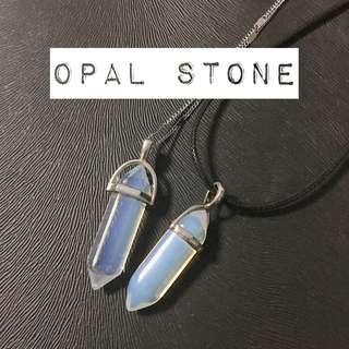 🚚 Opal Stone Quartz Necklace
