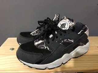 Nike Air Huarache Snakeskin Black & White