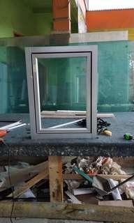 Daun jendela alumunium