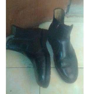 Dr martens chelsea boots bukan redwing converse zara h&m topman thimberland
