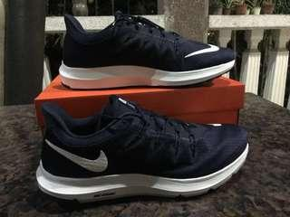 Brand New Nike Quest Running Shoes Size 11 - Men