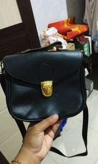 Tas hitam mini
