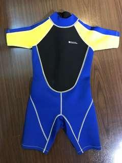 Kids unisex scuba Wet suit for cold water!