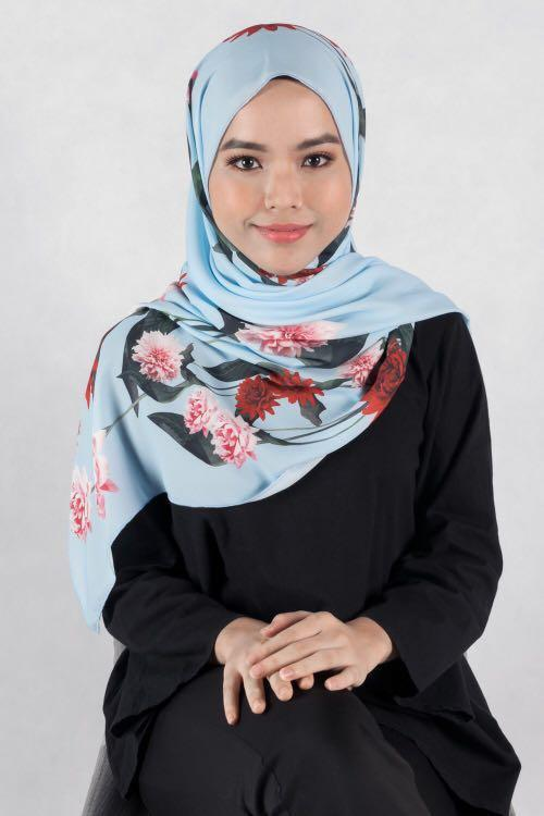 Ira Twenty3 Heliza scarf (light blue)