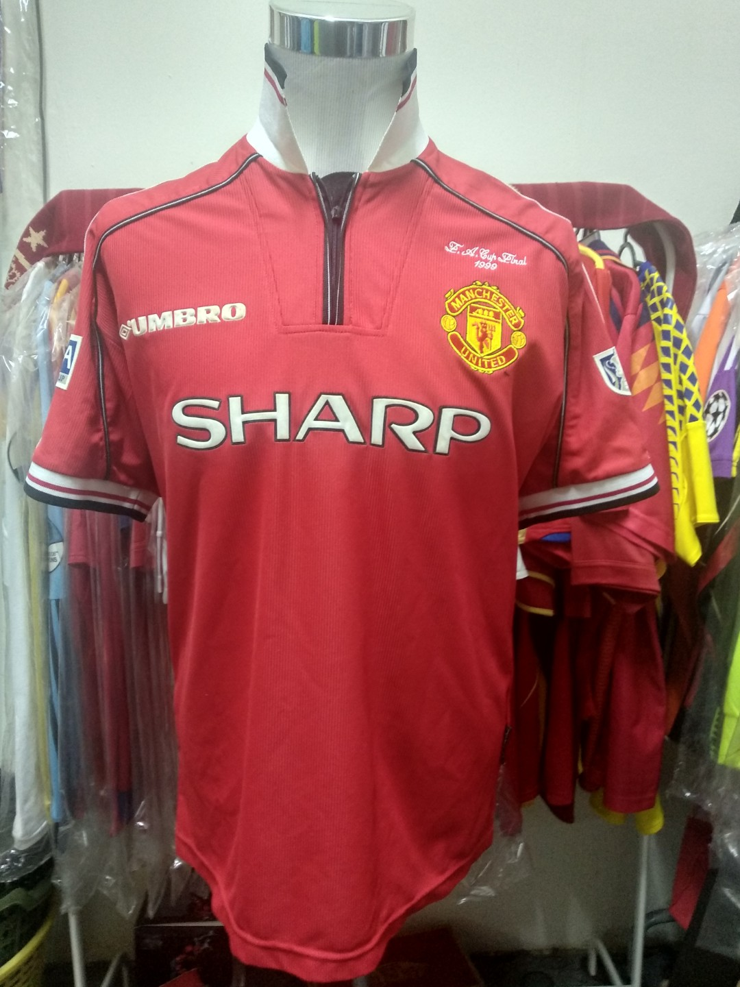buy popular ea554 df071 MANCHESTER UNITED HOME JERSEY