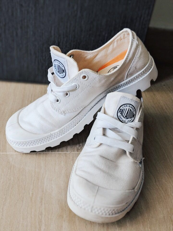b4165ed4cb Palladium White Sneakers Low-cut, Women's Fashion, Shoes, Sneakers on  Carousell