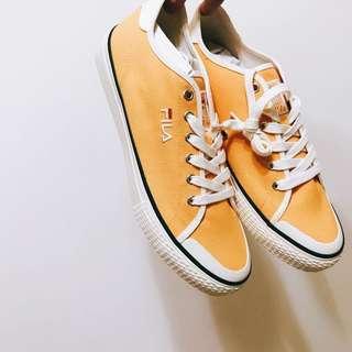 🚚 Fila 帆布鞋 黃色