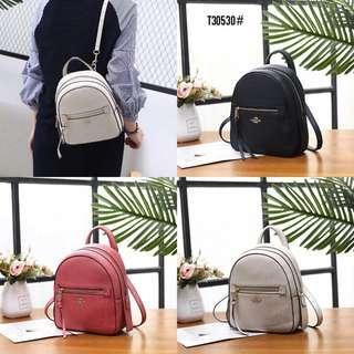 Coach Andi Backpack T30530#  Bahan kulit (pebbled leather) Dalaman kain tebal Kwalitas High Premium AAA Ransel uk 19x9x23cm Berat 0,7kg  Warna : -Beige -Black -Pink  Harga  @980rb