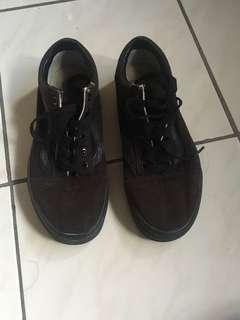 Vans黑色鞋子