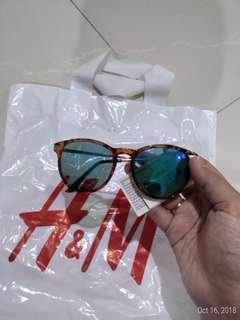 Kacamata HnM