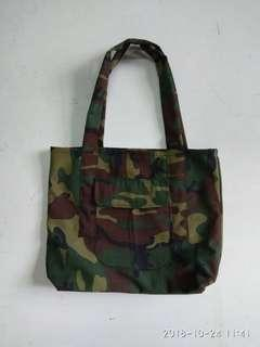 Camouflage Tote bags with pocket 28ht x 35 wide x 8base