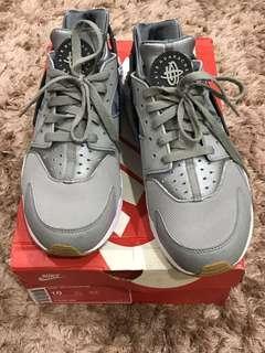 Nike Air Huarache UK9