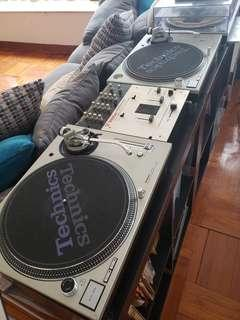 Technics 1200 Mk 5 Matching Pair DJ vinyl players