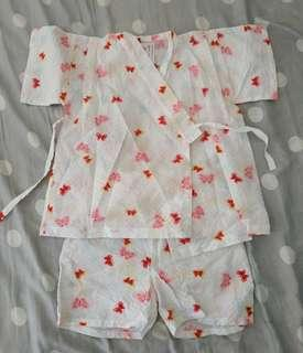 Kimono putih celana