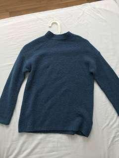 GAP blue jumper