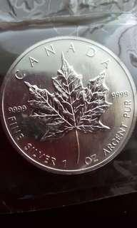 1990 Canada Mapple Leaf .9999 Fine Silver $5 coin