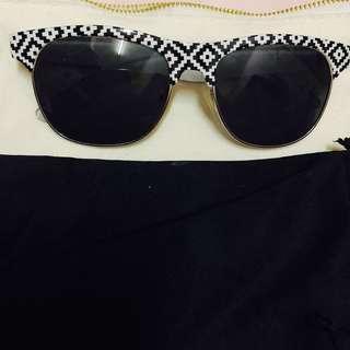 NEW Forever 21 Wayfarer Sunglasses