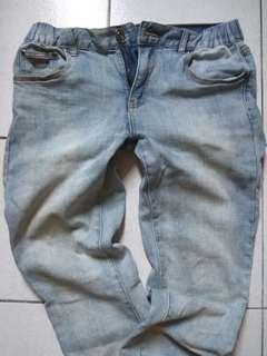 牛仔束口褲,八九成新,只要300元