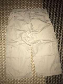 uniqlo beige short pant w28