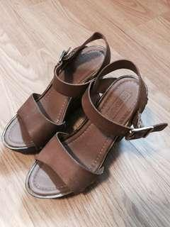 Brown Open Toed Wedges Sandals