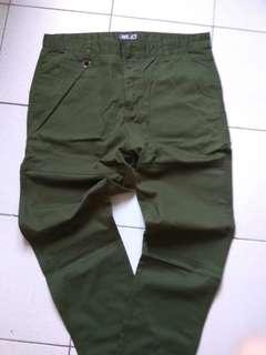 CACO休閒長褲,全新未穿,特價390元
