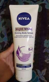 Nivea night white