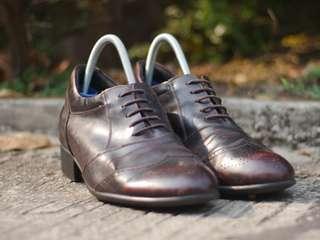 Sepatu kulit pantofel Gudumaru second original murah size 40