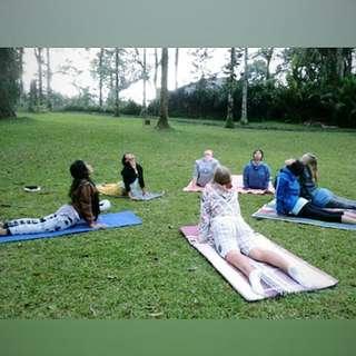 Kelas Yoga untuk Membangun Kesadaran Diri