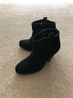 ASOS black ankle boote