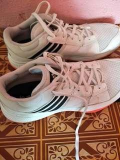Pre❤ adidas running shoe