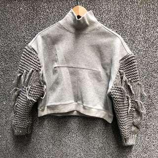 🚚 韓版 設計感灰色毛衣短版