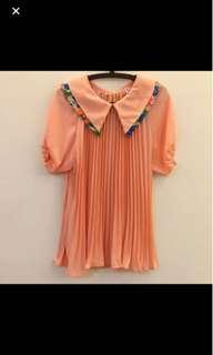 🚚 粉橘色上衣