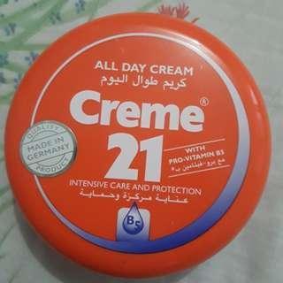 Authentic Creme 21