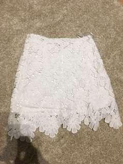 白色喱士短裙 white lace mini skirt