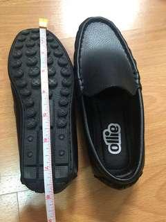 Ollie black slip on shoes for kid size 13 (used once)
