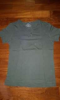 Kaos hijau / Green T-shirt