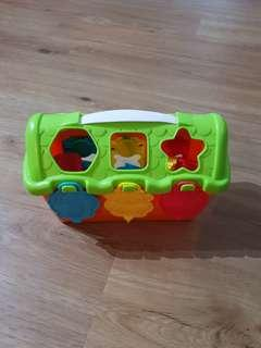 Sorting shapes toy