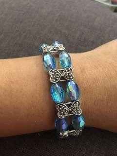 16.) bracelet crystal