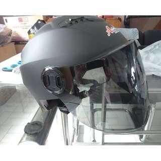 escooter, e- scooter, electric scooter,electric bicycle, roller blade nerf war protective helmet black full face lens