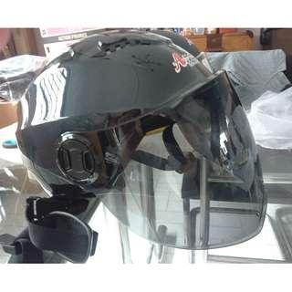 escooter, e- scooter, electric scooter,electric bicycle, roller blade nerf war protective helmet black glossy full face lens