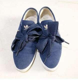 Adidas blue relace low
