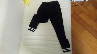 女童130 長褲 (可當legging用)很貼